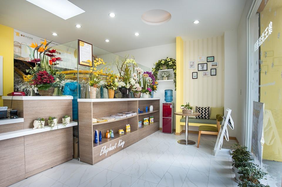 Read more about the article Comment choisir le comptoir de caisse pour son salon de coiffure ?